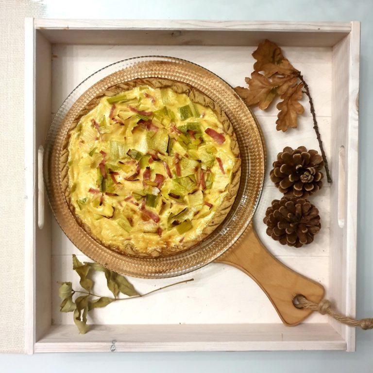 Tarte poireaux, jambon et pâte rustique au pavot