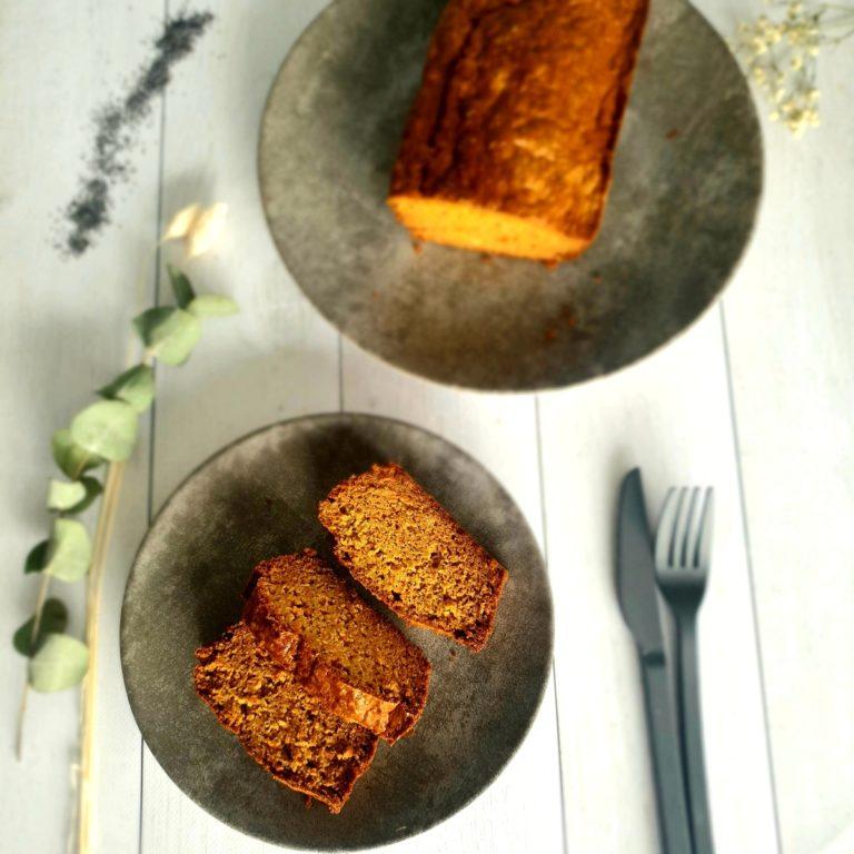 Pain moelleux à la carotte et au pavot