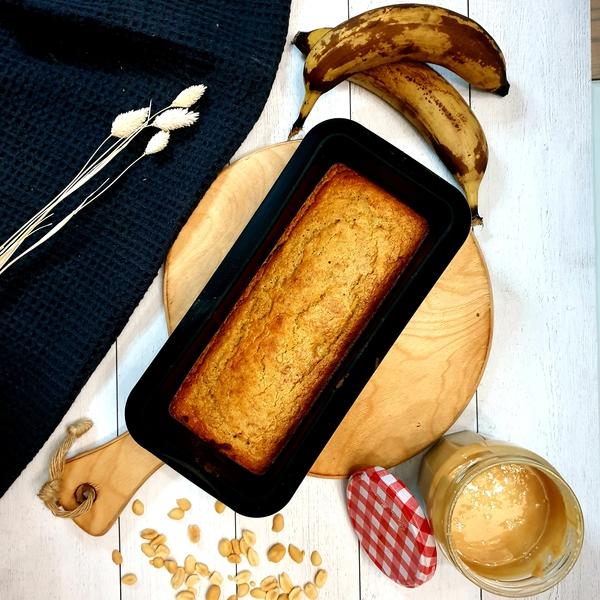 Gâteau banane, beurre de cacahuètes et pavot