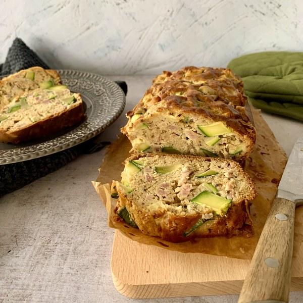 Cake courgette, menthe et lardons