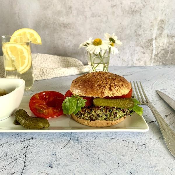 Steak végétal courgette, quinoa et menthe