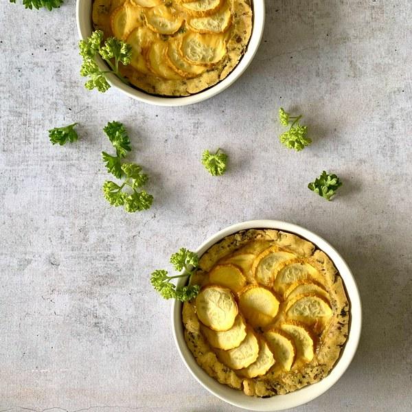 Tartelettes courgettes jaunes, persil et fleur de sel